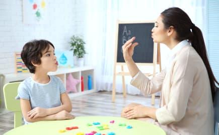sign language with teacher